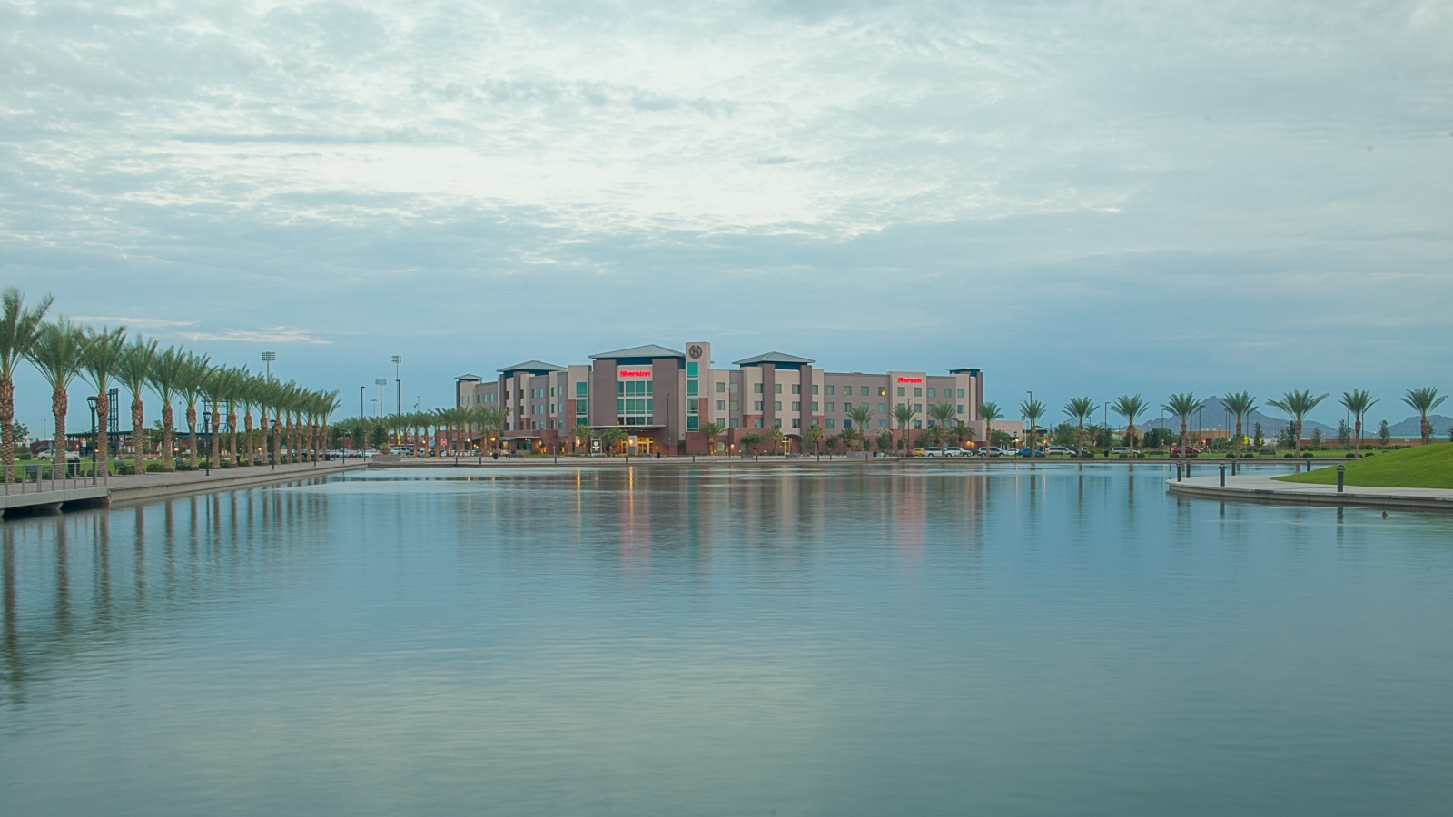 Wedding Venues in Phoenix - Riverview Lake